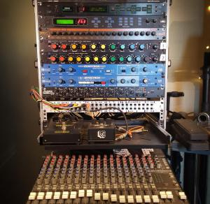 Dub rack with DDLs, EQ, vocoder, reverb, etc.